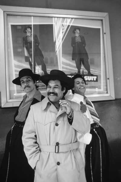 """luis valdezs play los vendidos essay Essays - largest database in the play """"los vendidos,"""" written by luis valdez in 1967, luis attempts to send a message to our society that stereotyping."""